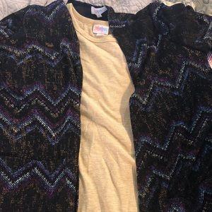 LuLaRoe Outfit, XS Carly, S Sarah